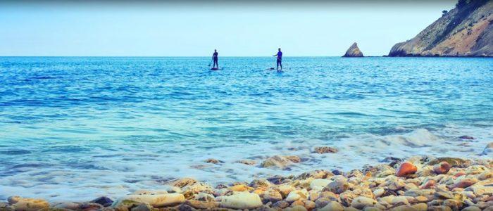 Stand up paddling bij Portonova, Le Marche
