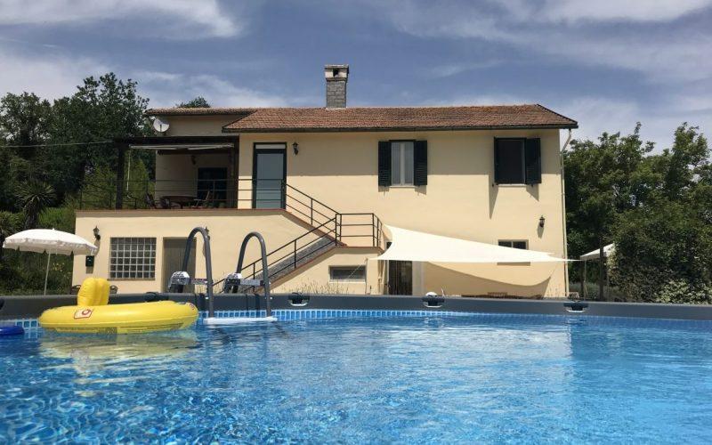Vakantiehuis met zwembad te huur in Le Marche Italie